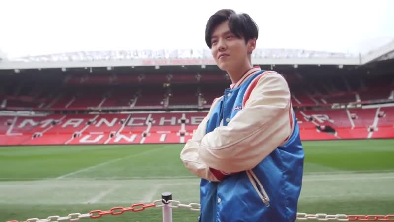 190201 LuHan @ Manchester United Football Club Weibo Updated