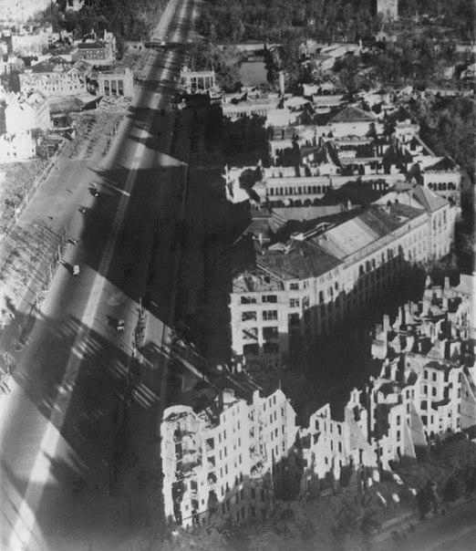 Послевоенный Берлин с высоты птичьего полета (20 фото)