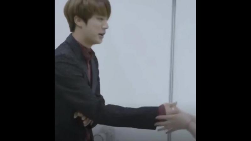 Jin_love😍Aaaaaaaaa я тоже так хочу😭😘
