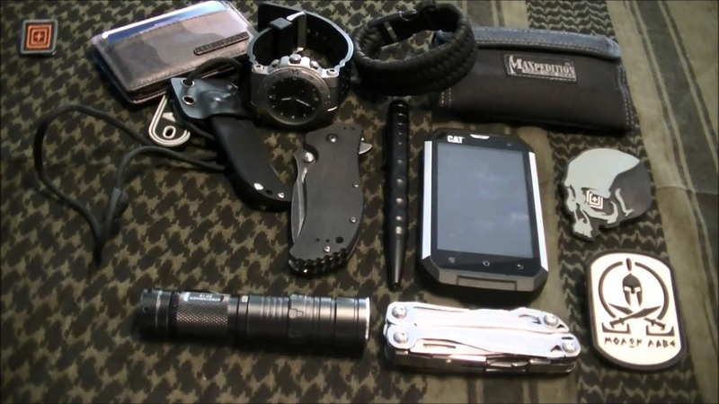 Every Day Carry 2015 - ce que je porte au quotidien / what I carry on me every day (french)