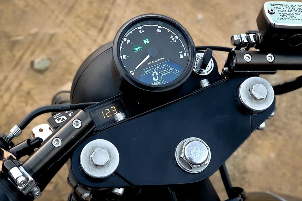 Minority Customs: кафе рейсер Honda CB400