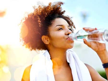 Метаболизм - это термин, который используется для описания всех химических реакций, связанных с поддержанием живого состояния клеток и организма.