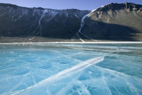 Пустое озеро – аномальная зона Алтая. Одним из самых необычных и загадочных водоемов на Земле является Пустое озеро. Находится это озеро в Западной Сибири на территории Кузнецкого