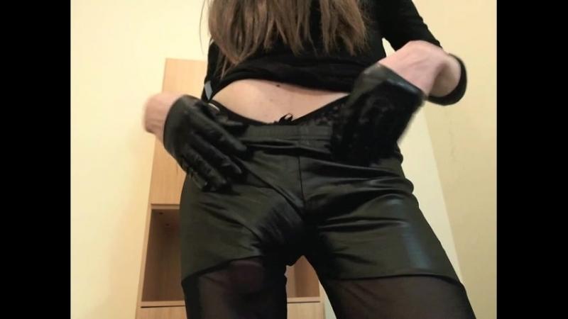 Big dick tranny Hayden Pavlov in wet look leggings