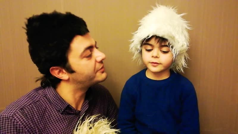 Դերասան Սամվել Թոփալյանը յուրօրինակ կերպ է շնորհավորել մեծն հայ բանաստեղծի` Հեվհաննես Թումանյանի ծննդյան օրը` որդու հետ կարդալով