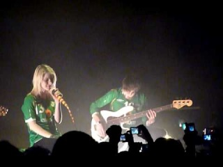 WOW! Paramore perform