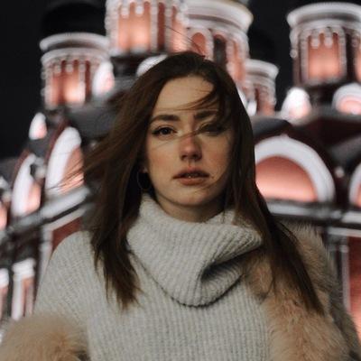 Анна Колмакова