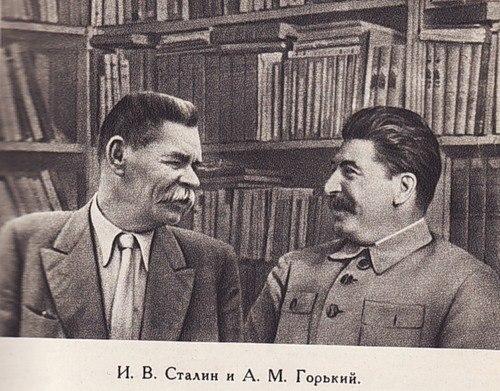 Кремль собирает писателей, чтобы создать единый писательский союз