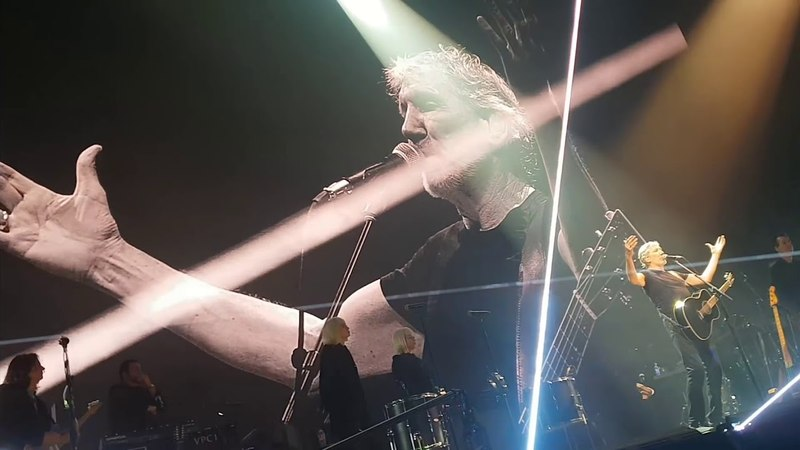 Roger Waters condemned bombardment of Syria by the US and the allies