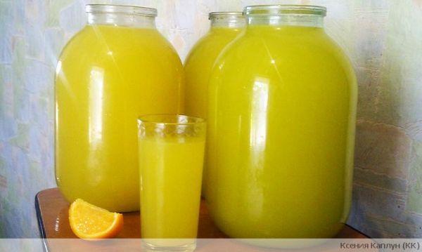 Из 4 апельсин - 9 литров сока! Сок апельсиновый!!! 4 апельсина вымыть, обдать кипятком Рецепт: ➨ Читать продолжение...