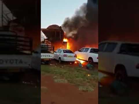 В Ботсване летчик протаранил дом в котором находилась его жена