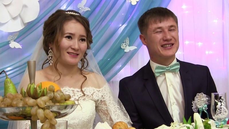 Песня брату на свадьбу, маленькая сестренка поет брату на свадьбу! Брат плачет с гостями! До слез