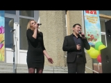 Олеся Полторыхина и Афанасий Атласов с песней Надежда. Покровск, Якутия. 1 мая 2018 год