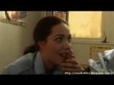 Девушку-полицейского отжучили в раздевалке