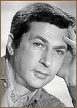 past Игорь Кваша. Игорь Владимирович Кваша́ (4 февраля 1933, Москва - 30 августа 2012, там же) - советский и российский актёр и режиссёр театра и кино, телеведущий. Биография. Родился в семье