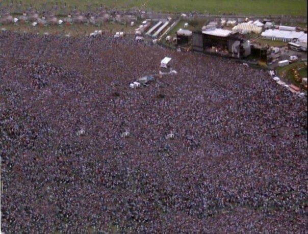 Фото с концертов Майкла Джексона. Иследование в 1997 году выявило Майкла Джексон...