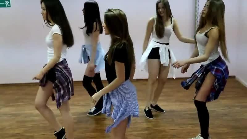 Жопастые попки или Twerk booty shake Красивые девушки красиво танцуют клуб MILAN