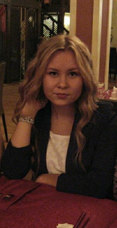 Аня Зверева, 16 апреля 1996, Завьялово, id59380592