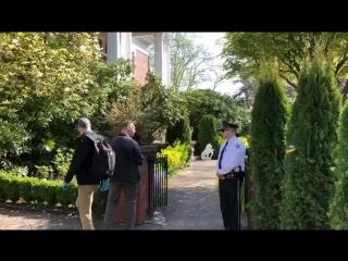 Власти США проникли в здание закрытой резиденции генконсула РФ в Сиэтле