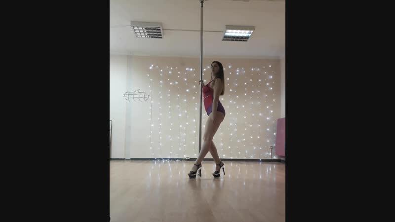 Pole dance💜