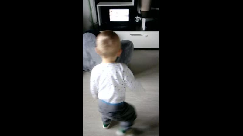 Танцы 2 (Руслан 1 год)