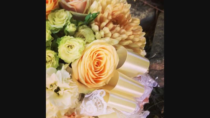 Шляпная коробка с цветами на свадьбу