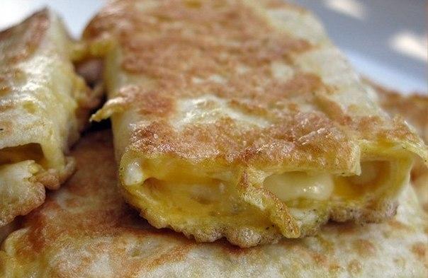 Лаваш с сыром в яйце. Завтрак за 5 минут. Очень вкусно, просто и быстро. Рекомендуем!!! Ингредиенты: Смотреть полностью..