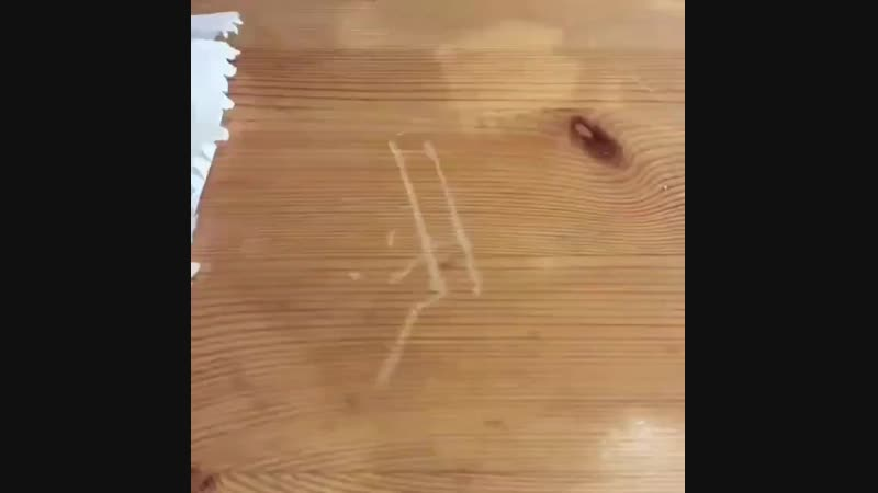 Как убрать царапины с дерева грецким орехом