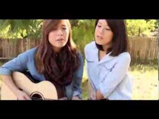 Девушки классно поют под гитару ! Очень красивая песня ))