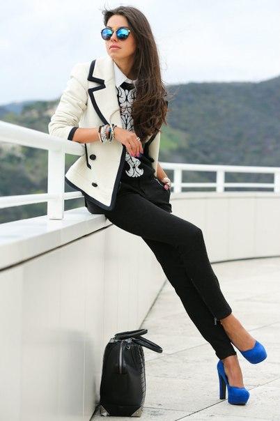 Узкие брюки в джинсовом стиле (8 фото) - картинка