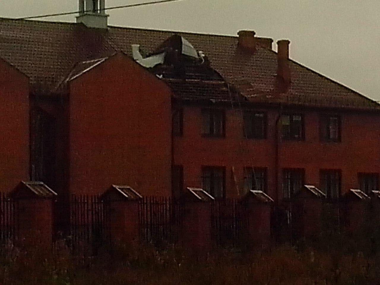 У Костополі смерч позривав дахи
