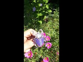 Лиловый жужик Брошь размером 5 5 х 4см