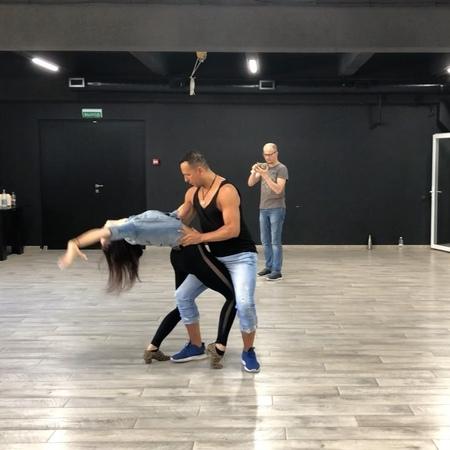 "Azael Salazar on Instagram: ""Bachata Sensual Workshop in Minsk 🇧🇾 Part 1 Follow us: @azaelbachatafever @jomante.saltare Bachata remix by @djkhalid..."