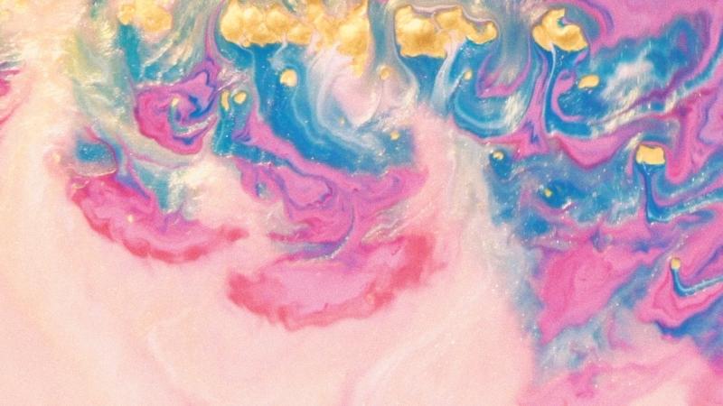 «Квинтэссенция цвета» Александры Шер