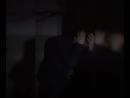 Неизвестные бьют человека, похожего на Николая Соболева
