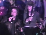 пьяные Паттинсон и Перри поют в караоке:DDD