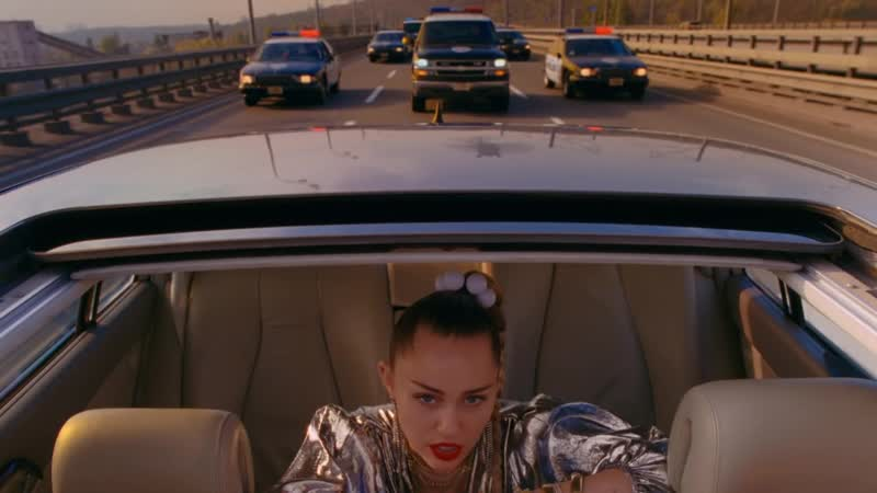 Miley Cyrus Mark Ronson — Nothing Breaks Like a Heart.