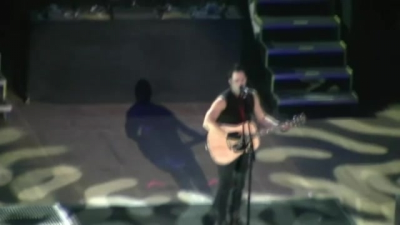 Skillet`s John Cooper Acoustic Hymn When I Survey the Wondrous Cross Pittsburgh, PA