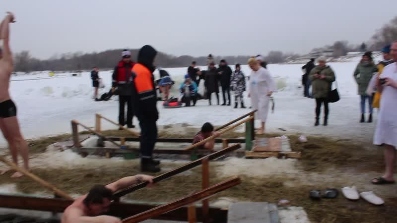 Омск парк зеленый остров 19 01 19 Крещение