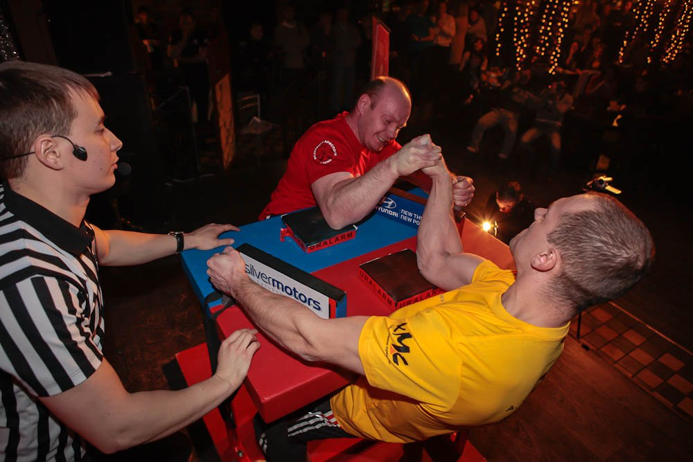 Sergey Pisarkov (red shirt) Vs. Alexander Kovalchuk (yellow shirt)