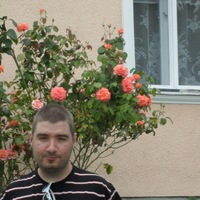 Антон Артамонов