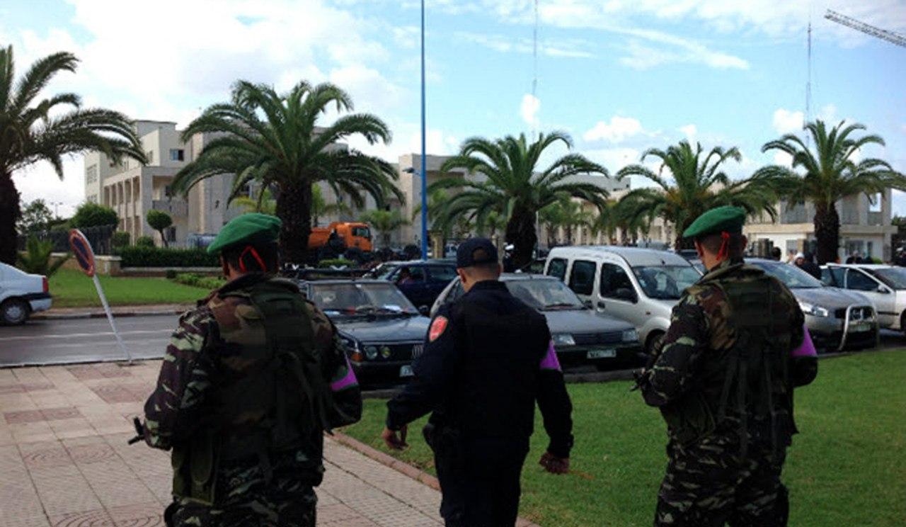 Photos de nos soldats et des Bases Marocaines - Page 2 DvZxVEkfJeo