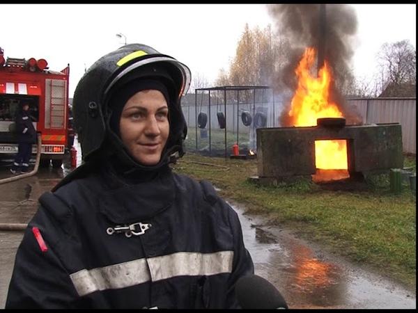 Практический экзамен у добровольцев-спасателей