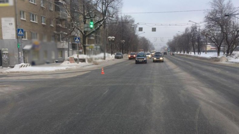 Lada Kalina и Ssang Yong столкнулись в Томске, пострадал 6-летний ребёнок