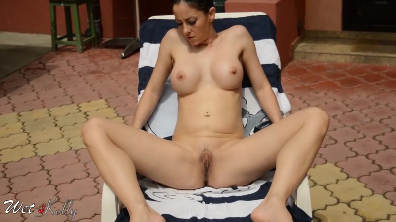 SPYING MY NEIGHBOR WHILE TANNIN, PEE AND MASTURBATE HER GROOL GUSHING PUSSY Amateur, Big Tits, Squirt,