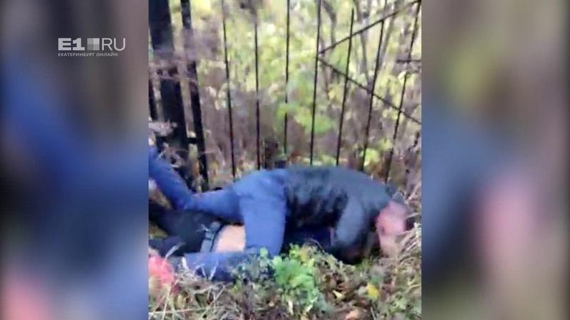 На Елизавете отец избил подростка, пытавшегося остановить драку школьников