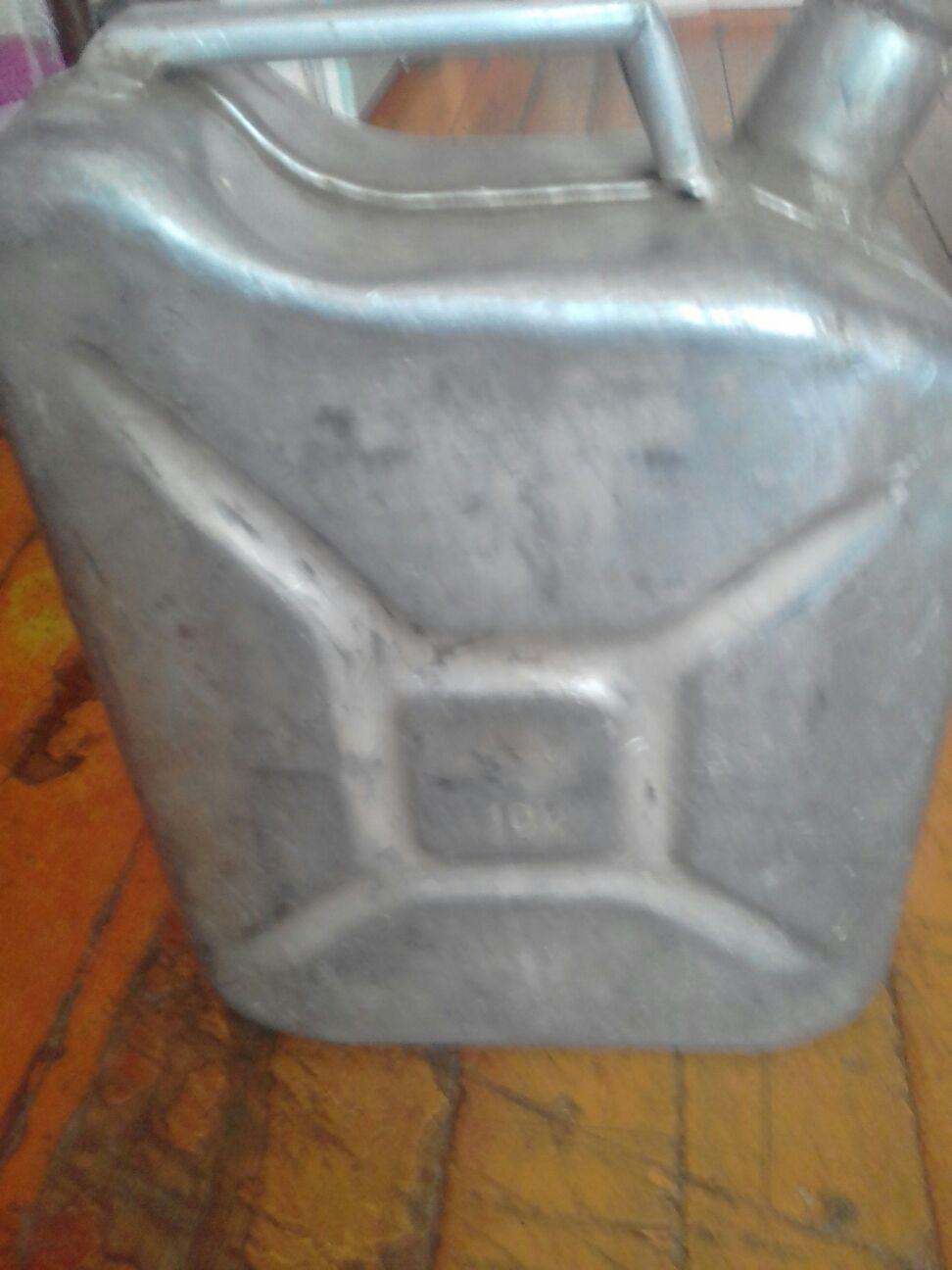Купить  Канистра 10 литров 300р. блок   Объявления Орска и Новотроицка №1757