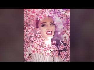 Ольга Бузова в цветах сакуры