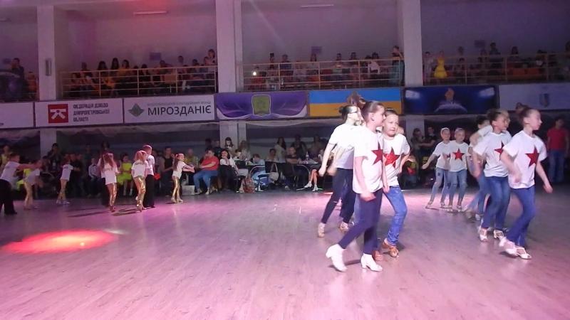 Всеукраинский Фестиваль Феерии (г.Днепр)- 20.05.2018г.-группа, под песню- лучше всех