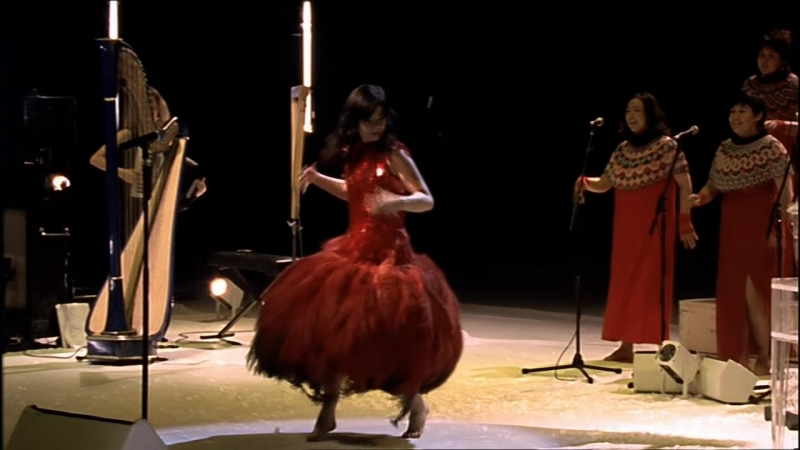Björk - Hyperballad - live at Royal Opera House, 2001 (HD 720p) - Bjork » Freewka.com - Смотреть онлайн в хорощем качестве